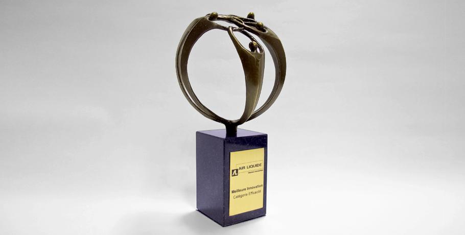 trophée métal-rond-créer ensemble-entreprise