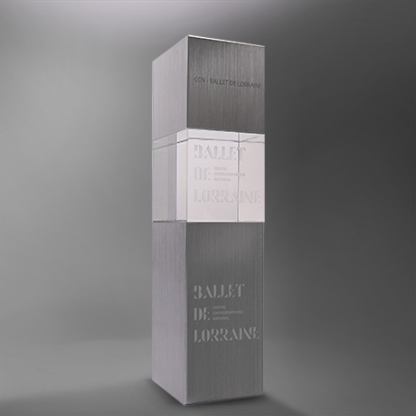 Trophee-topaze -metal-verre -marquage-laser-popup