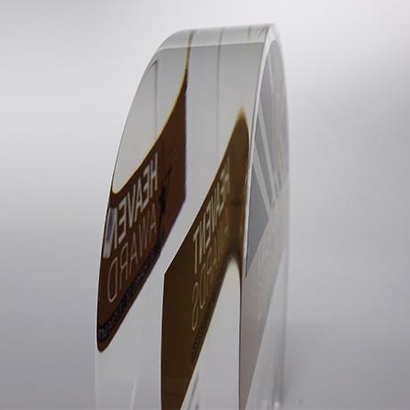 Trophée-verre-acrylique-marquage-impression-couleur-surmesure-HEAVENT