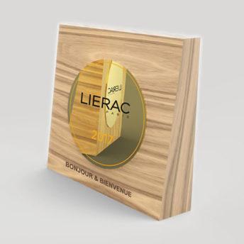 Trophée-verre-bois-gravure-laser-Médaille-collé- Impression-quadri-chêne- surmesure-lierac