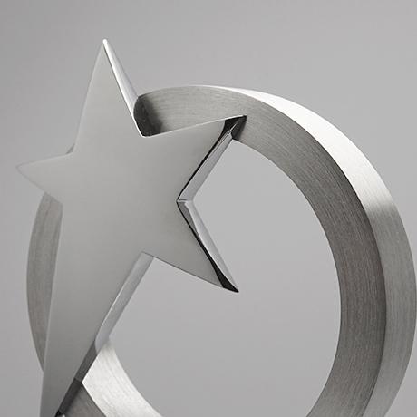 Trophée-verre-métallique-GalèneAlliance-marquage-couleur-laser-zoom