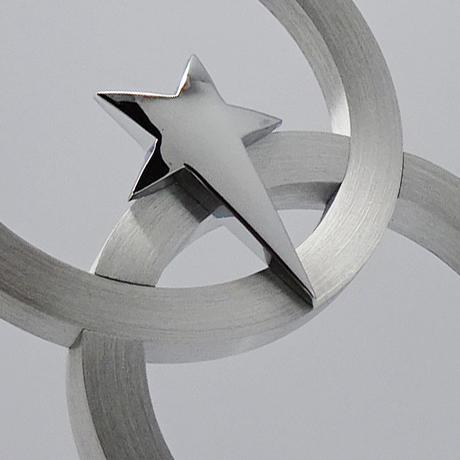 Trophée-verre-métallique-Selenian-marquage-couleur-laser-zoom